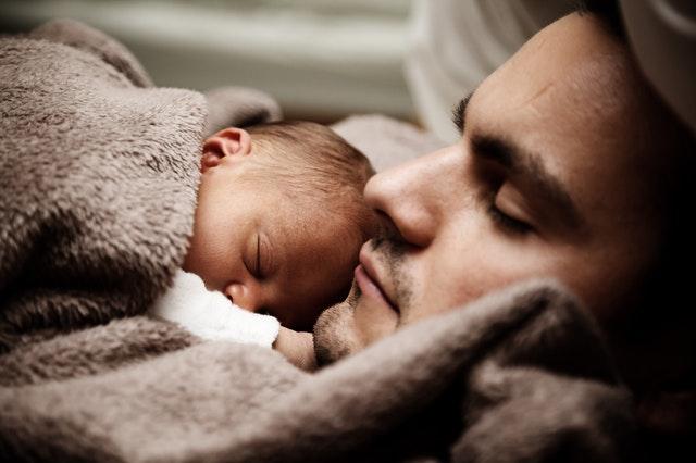 Terreur nocturne chez le bébé : que faire ?